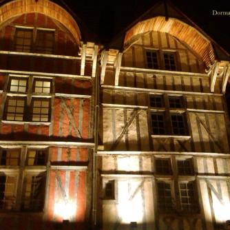 façades typiques de Troyes