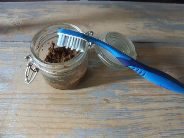 dentifrice maison