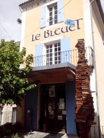 Librairie Les bleuets Crédit photo :Dormance Petit chat Grain